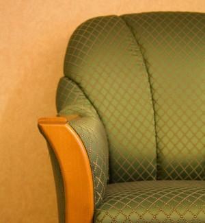 cropped-chair.jpg